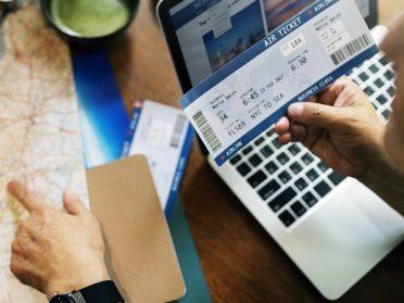 Consultoria de viagem ou selfbooking para viajante corporativo?